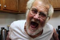 "YouTuber ""The Angry Grandpa"" Tutup Usia"
