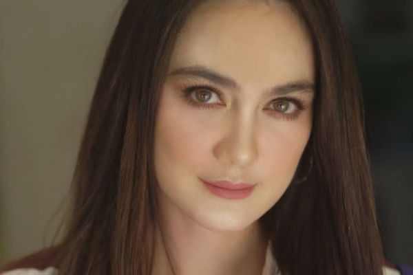 Luna Maya Curhat, Ayu Dewi: All is Well, Darling