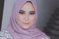 Restu Anggraini Rancang Hijab Anti-Air