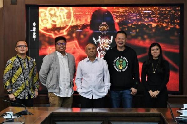 Menteri Teten Dukung Penyelenggaraan Event Musik Head In The Clouds Music