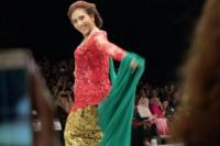 Kejutan! Menteri Susi Jadi Model Fashion Show