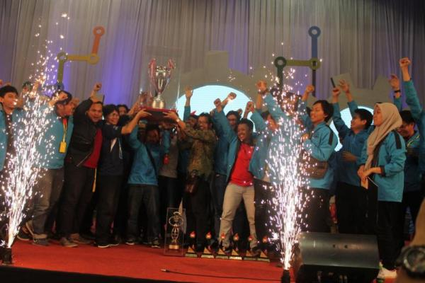 ITS Juara Umum Kontes Robot Indonesia